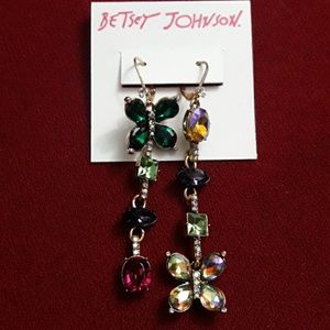 🆕️Betsy Johnson long earrings NWT
